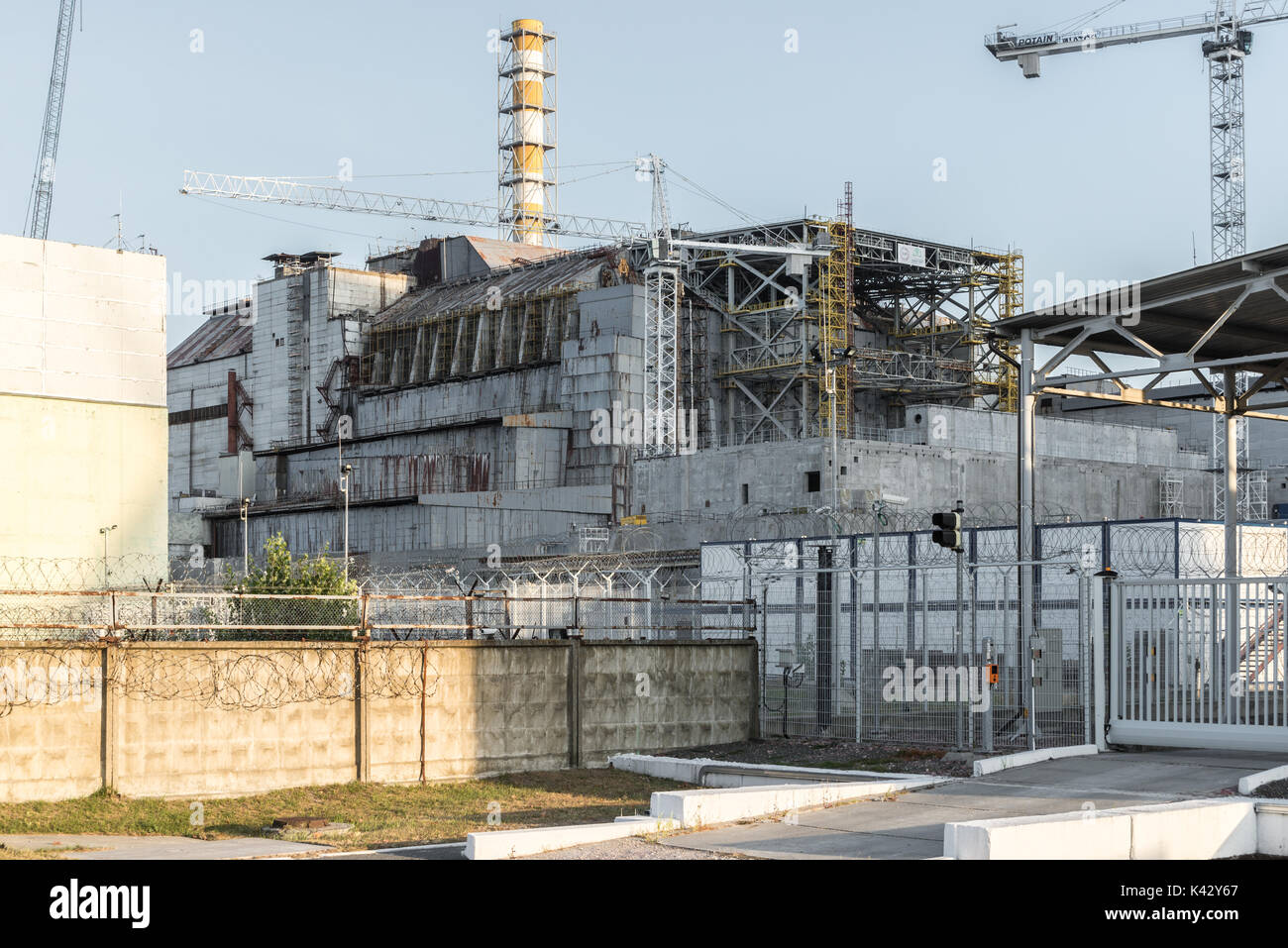 The old sarcophagus over reactor 4 of the Chernobyl Nuclear Power Plant - Stock Image