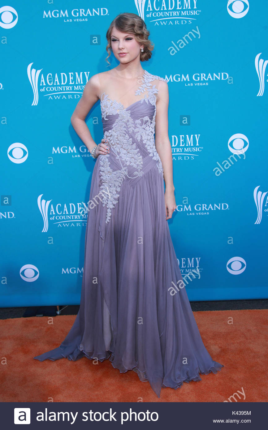 Taylor Swift 45th Annual Academy Stock Photos & Taylor Swift 45th ...