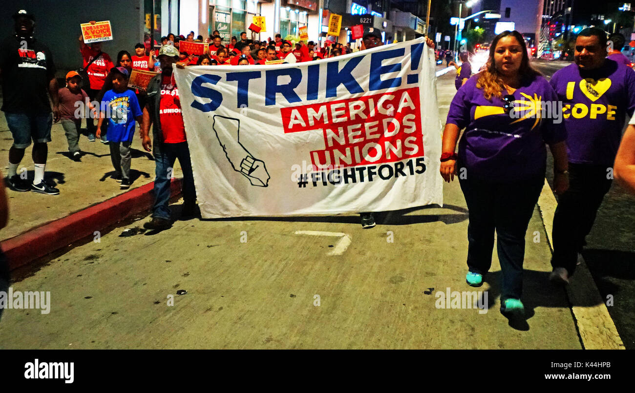Los Angeles, USA. 4th Sept, 2017. 5:30 am to 7:30 am California Fight for 15 Strike on Labor Day, hundreds of volunteers gather at Johnnie's coffee shop to march to an undisclosed location. Credit: James Tsukano/Alamy Live News - Stock Image