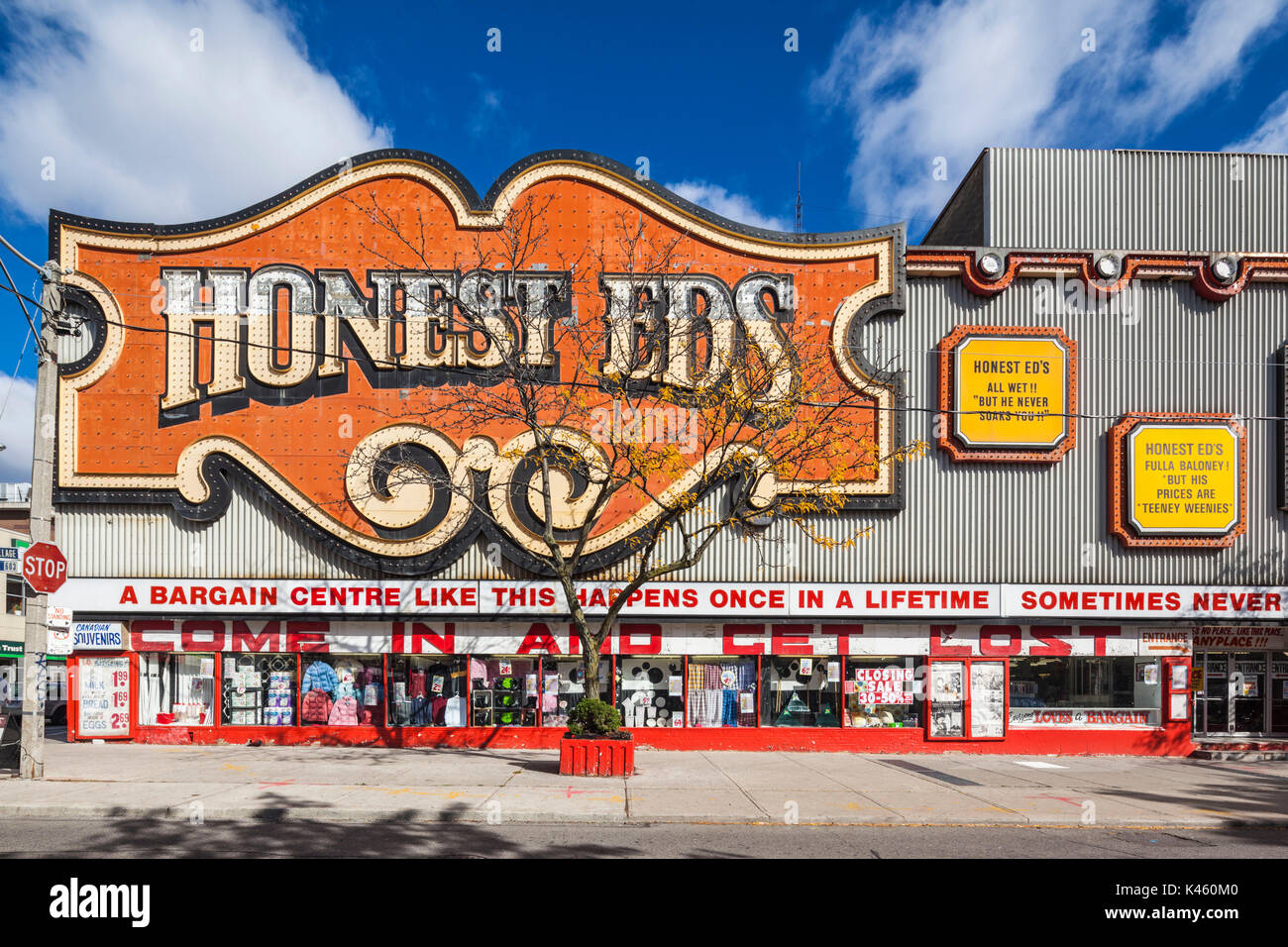 Canada, Ontario, Toronto, Honest Eds, famous store on Bloor Street West - Stock Image