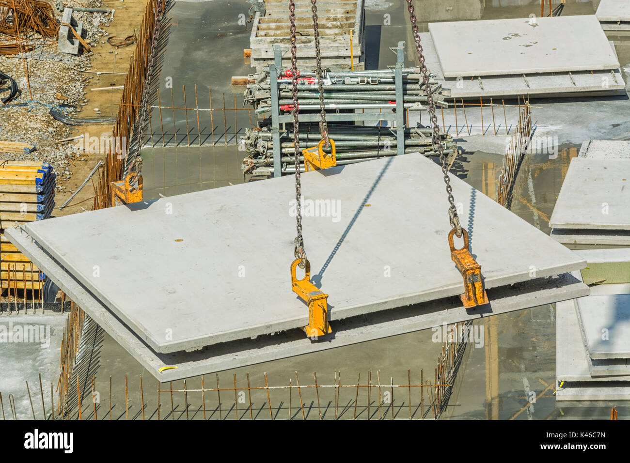 Construction of steel and concrete for the construction of