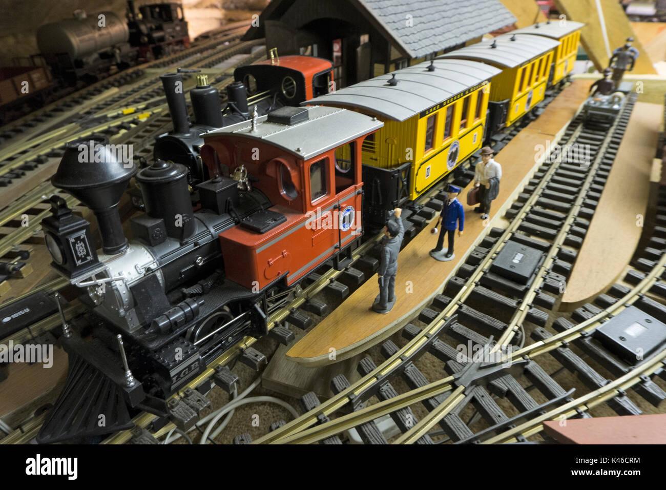 O Gauge Stock Photos Images Alamy Garden Railway Sensors Model In Loft Image