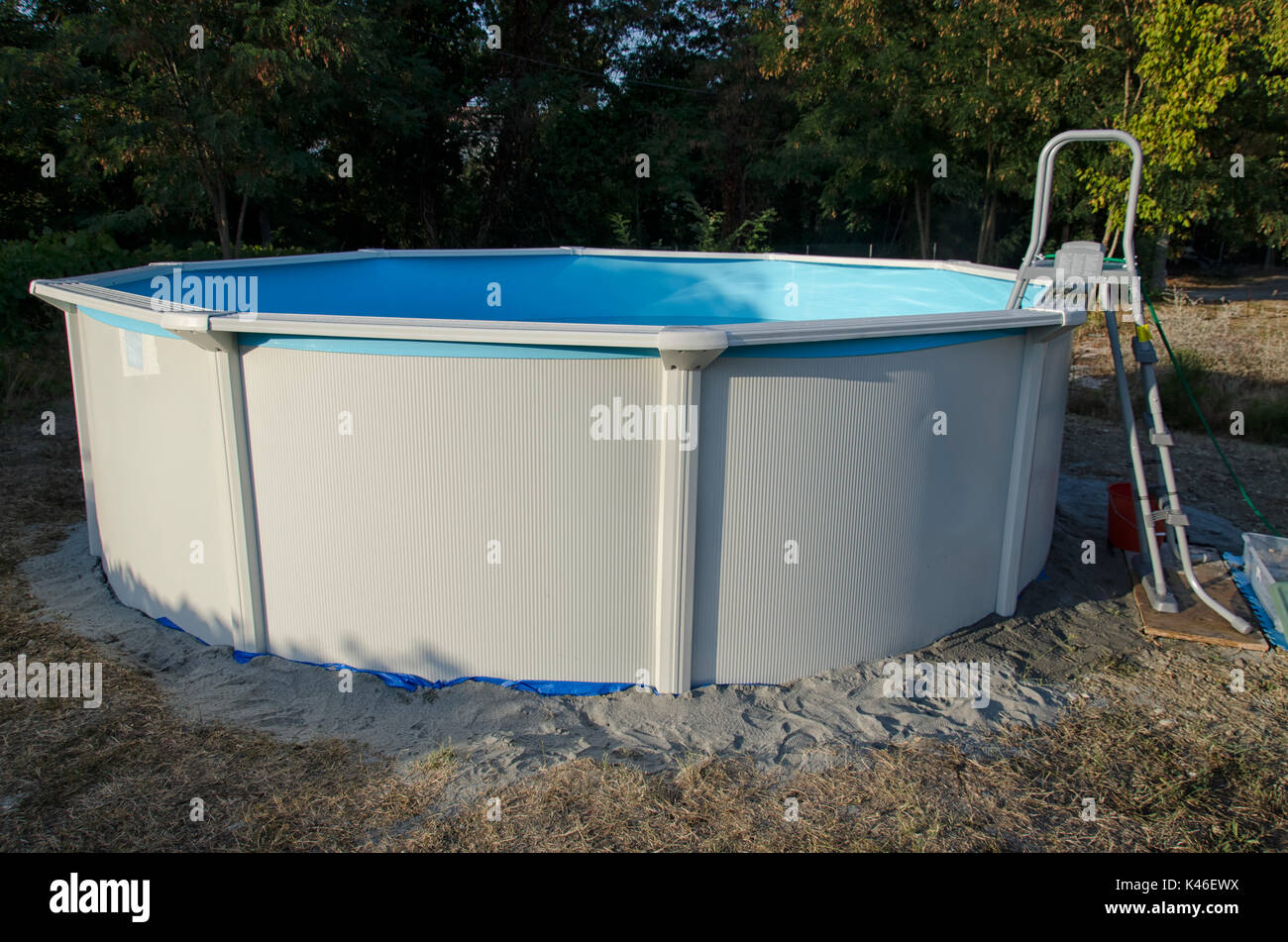 View of a metal steel frame pool Stock Photo: 157495350 - Alamy