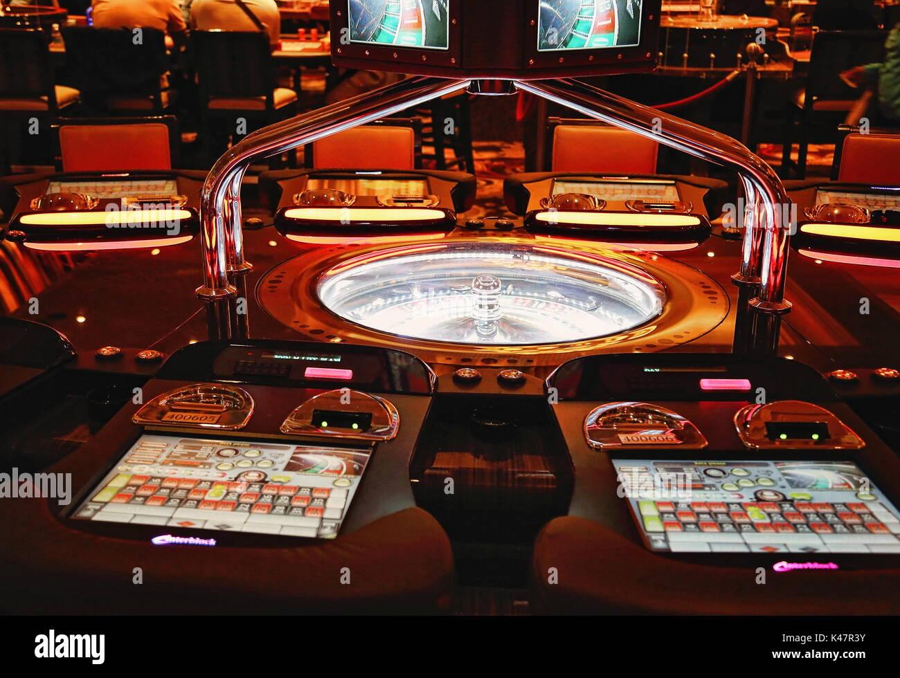 Крупье сливы в казино