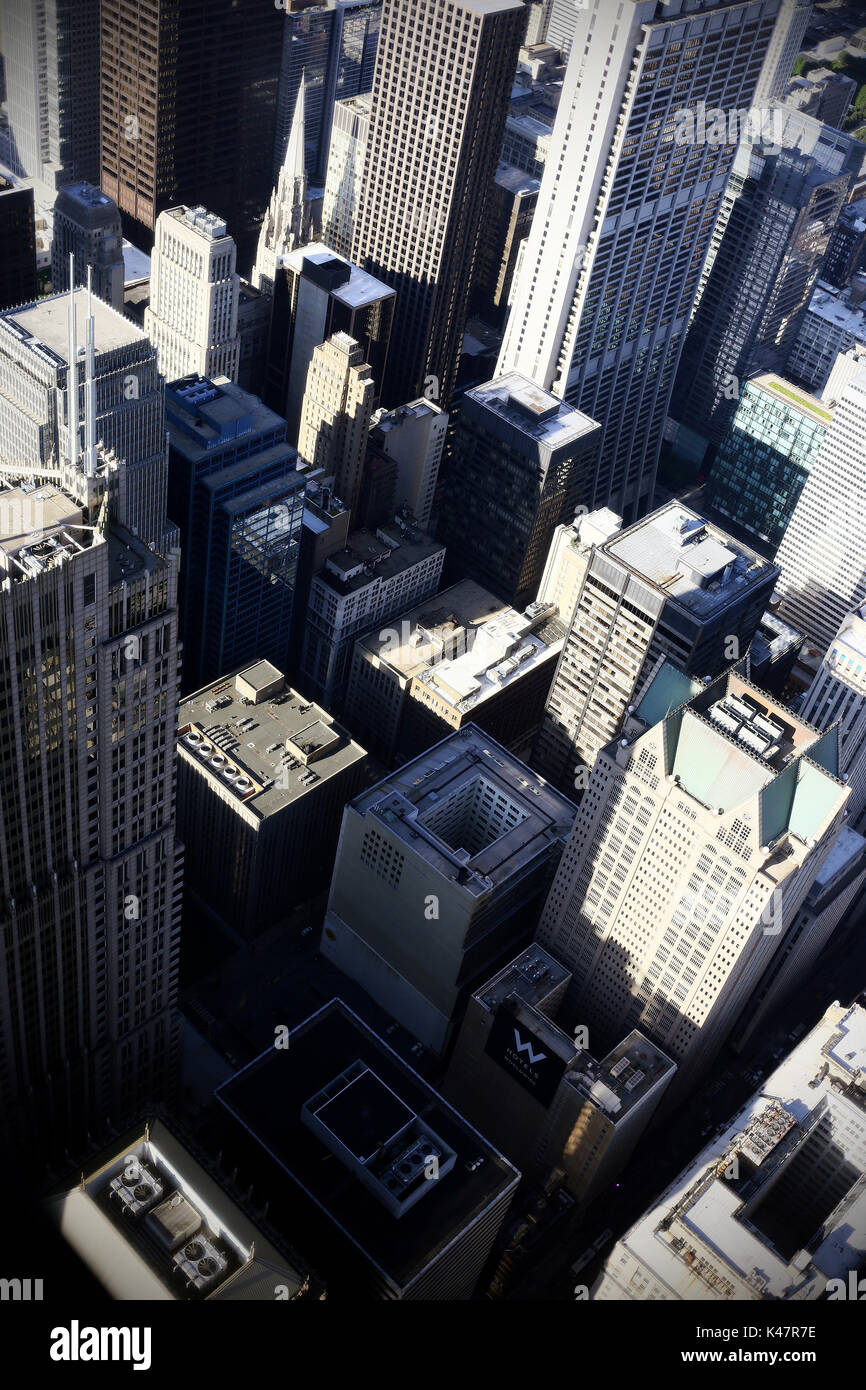 CHICAGO, IL, USA - JUNE 2016. View of the buildings from the willis tower at Chicago Downtown. - Stock Image