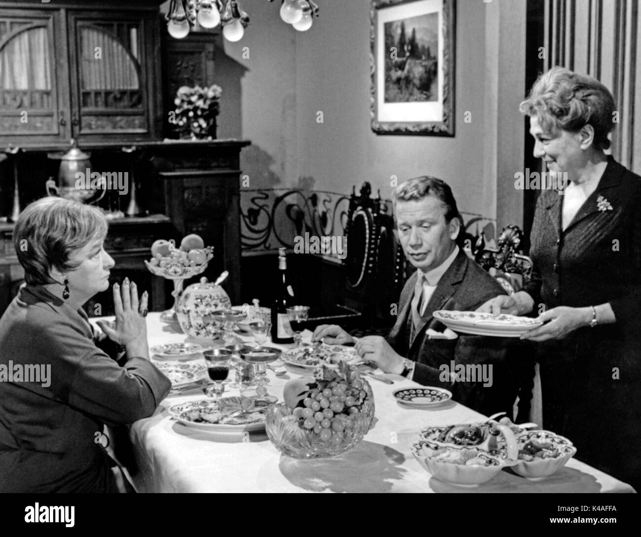 Herrn Walsers Raben, Fernsehfilm, Deutschland 1964, Regie: Dieter Lemmel, Darsteller: Hilde Hildebrand, Heinz Reincke, Lucie Mannheim - Stock Image