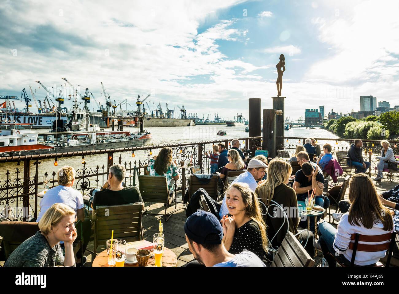 Beach Club Strand Pauli, at the jetties in the Port of Hamburg, Hamburg, Germany - Stock Image