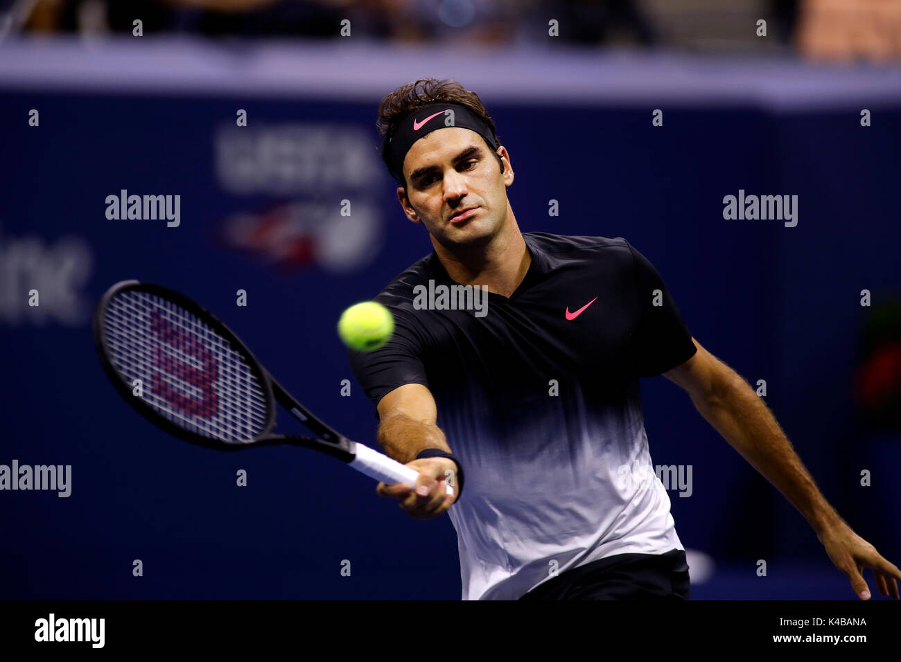 New York, United States. 04th Sep, 2017. US Open Tennis: New York, 4 September, 2017 - Roger Federer during his - Stock Image