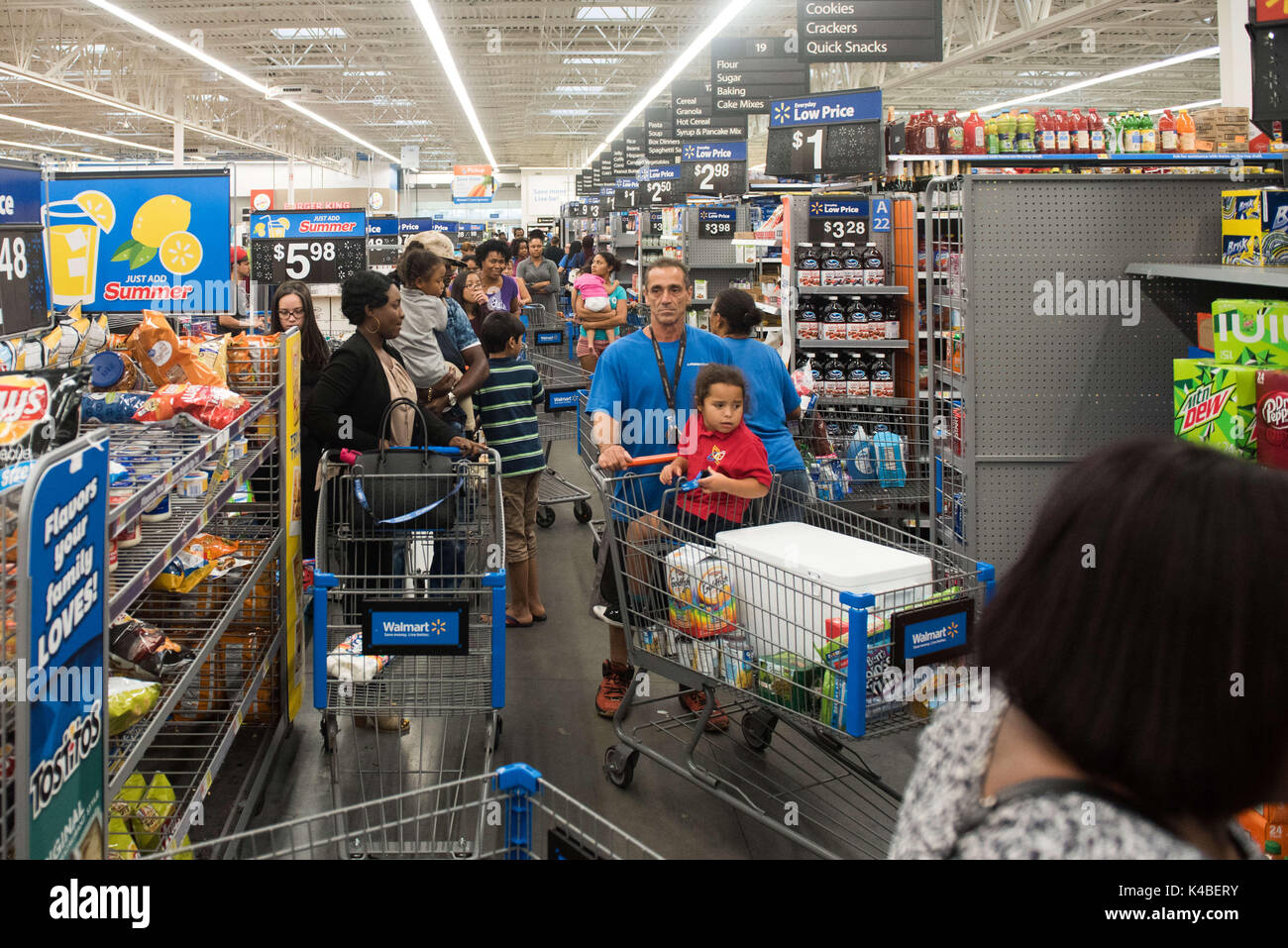 fort lauderdale florida usa 5th sep 2017 residents of south florida line up to buy water at walmart in fort lauderdale in preperation for hurricane