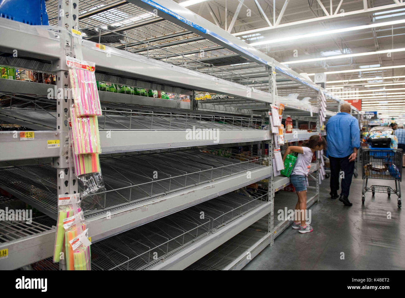 fort lauderdale florida usa 5th sep 2017 empty water isle at walmart in fort lauderdale after residents stock up in preperation for hurricane irma