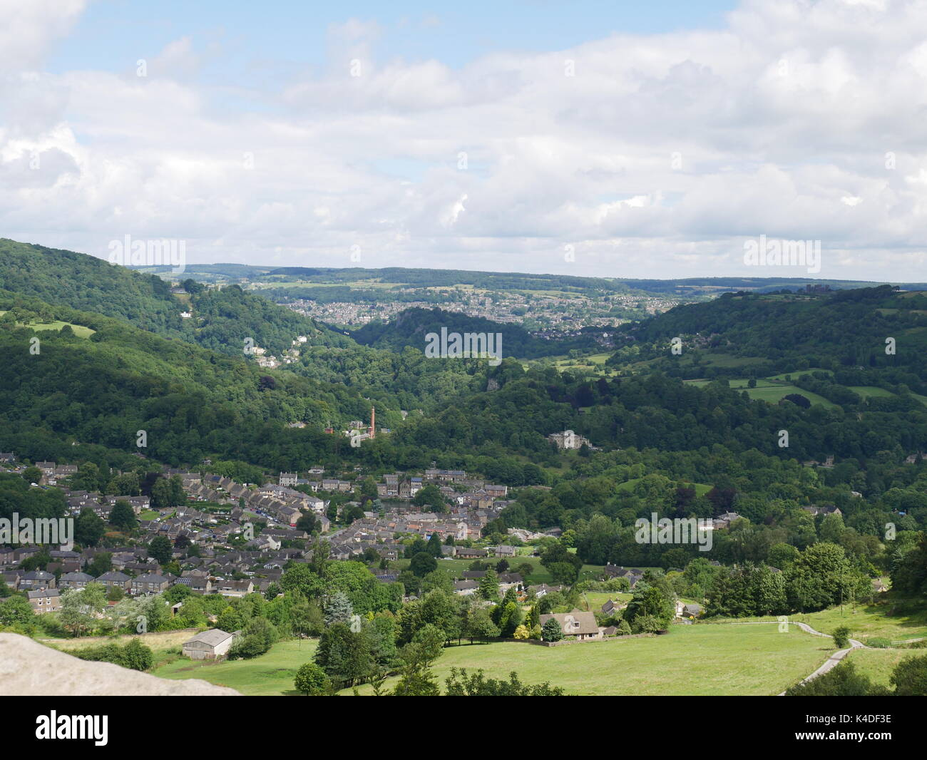 View of Cromford and the Derwent Valley from Black Rocks, a gritstone outcrop near to Wirksworth, Derbyshire (Peak District National Park) - Stock Image