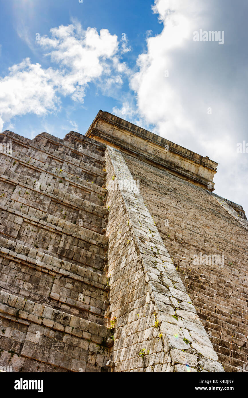 Detail of Kukulkan Pyramid (el Castillo) at the archaeological site of Chichen Itza, Yucatan, Mexico - Stock Image
