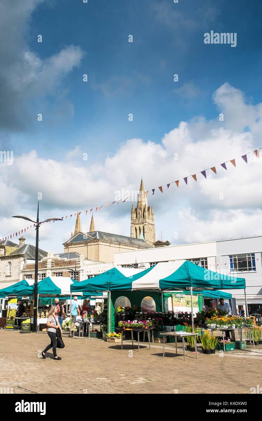 Truro - A street market in Lemon Quay in Truro City centre in Cornwall. - Stock Image