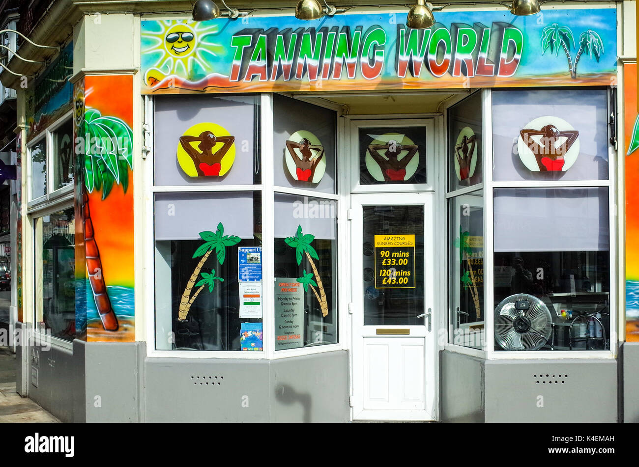 Tanning World Tanning Salon in Mill Road, Cambridge UK - Stock Image