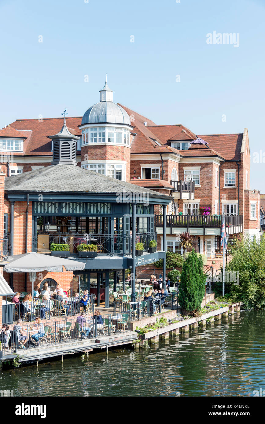 View of Cote Brasserie and Eton riverside from Windsor Bridge, Windsor, Berkshire, England, United Kingdom - Stock Image