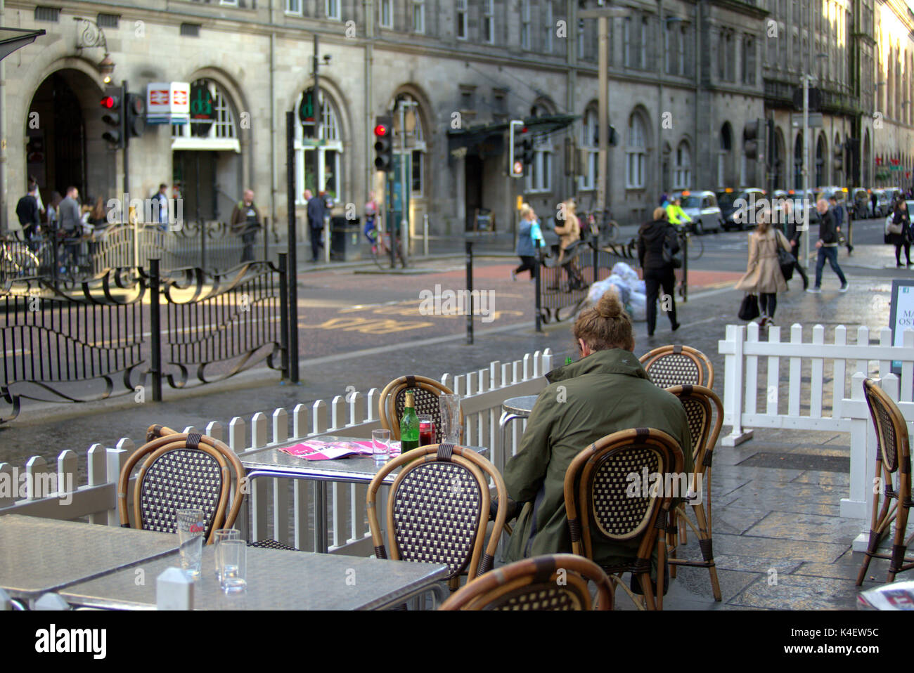 central station SIDE ENTRANCE on pollution hotspot  hope street Glasgow busy street - Stock Image