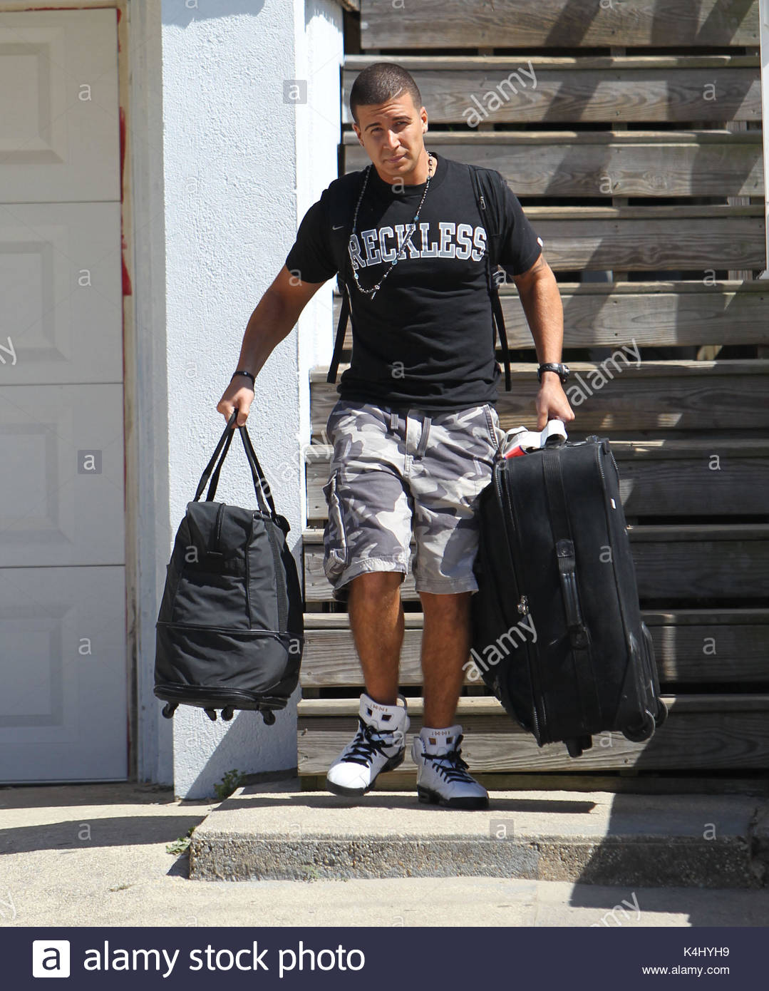 Why did vinny leave jersey shore
