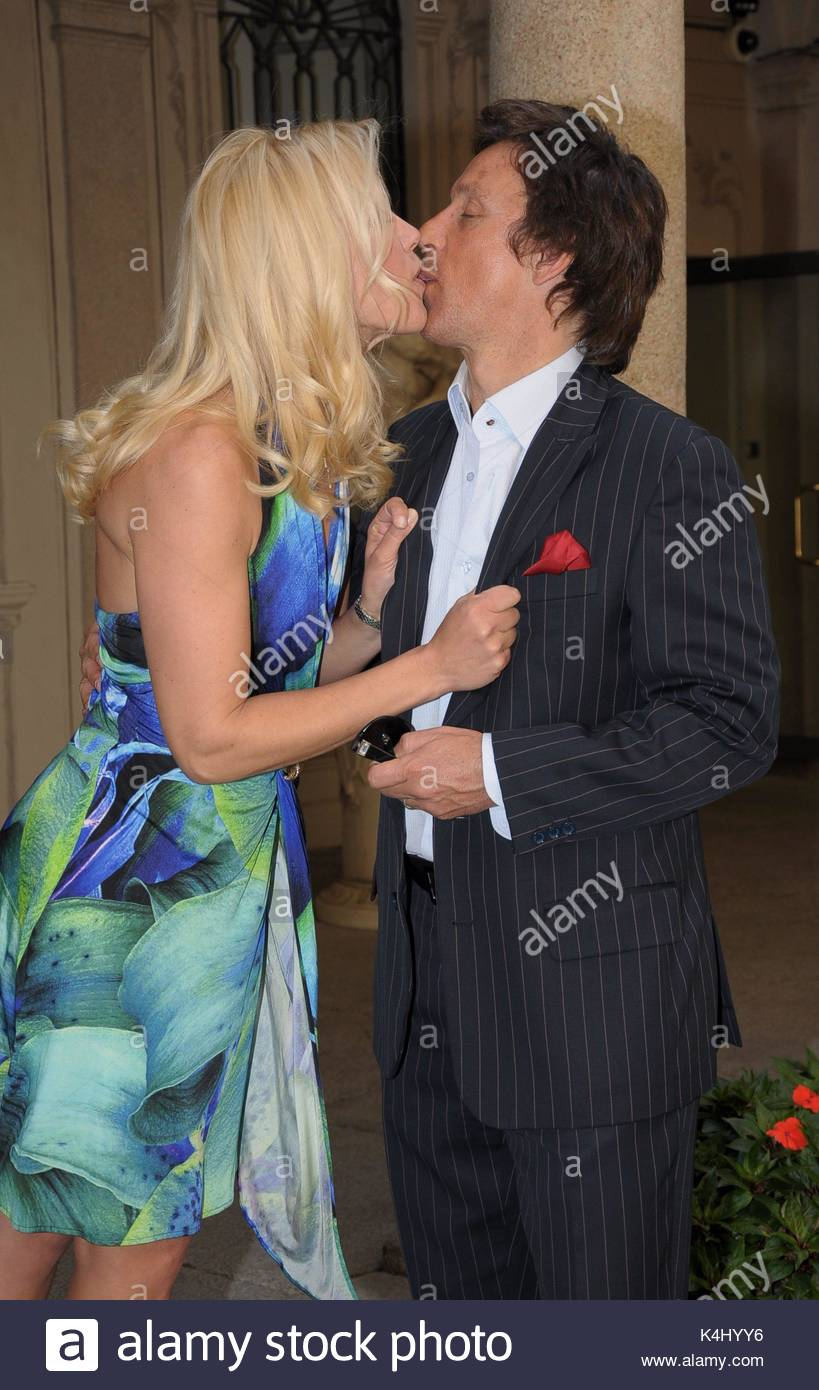 Valeria Mazza with her husband. Celebrities attend a press ...