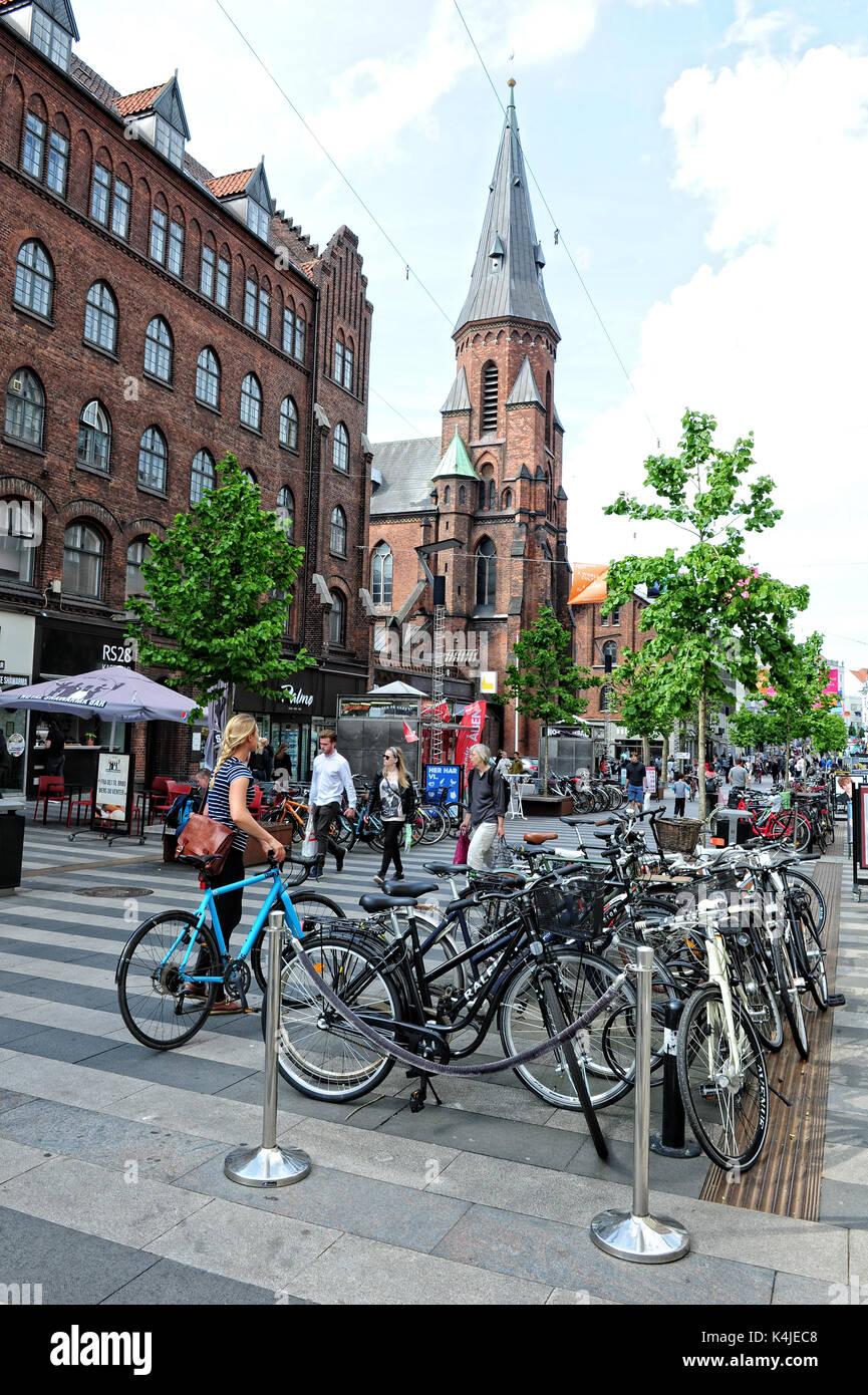 The lively pedestrianised city centre in Aarhus, Denmark - Stock Image