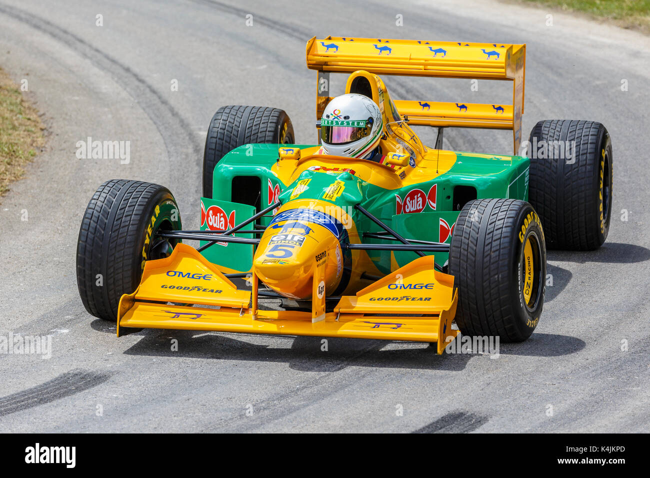 1993 Benetton-Ford B193 F1 car with driver Stephen Ottavianelli at the 2017 Goodwood Festival of Speed, Sussex, UK. - Stock Image