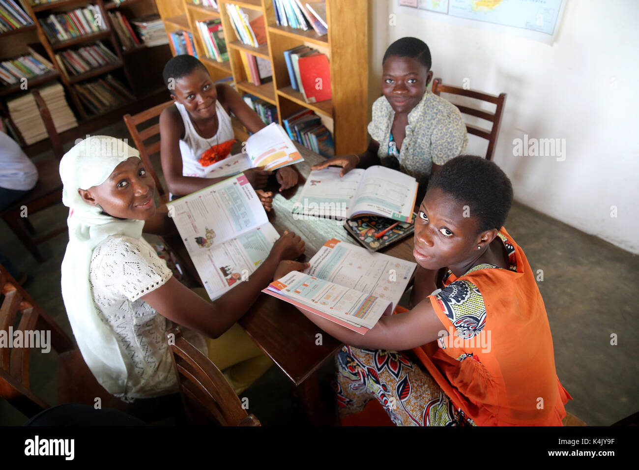 Library in an African school where children are sponsored by French NGO, La Chaine de l'Espoir, Lome, Togo, West Africa, Africa Stock Photo