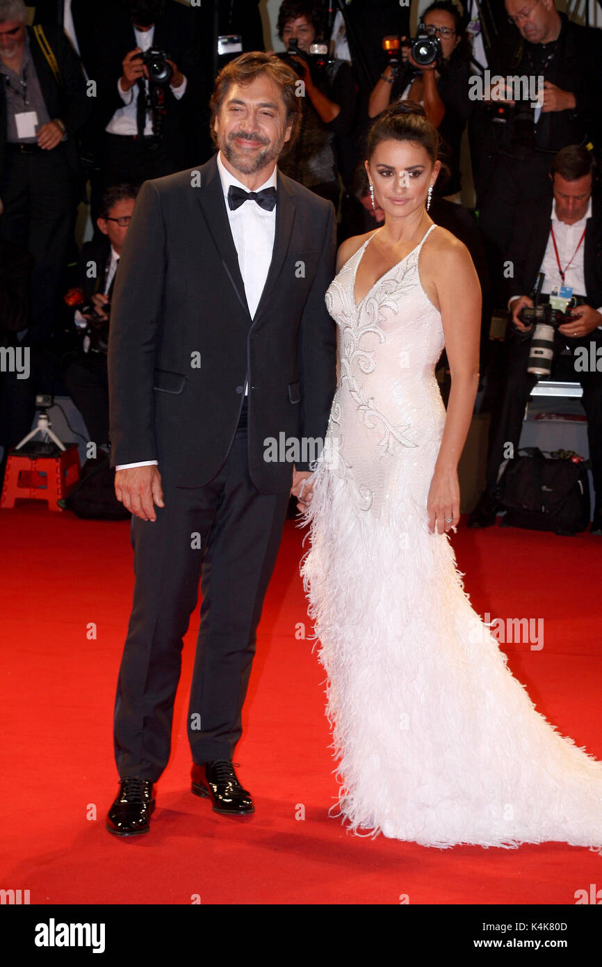 Venice, Italy. 06th Sep, 2017. VENICE, ITALY - SEPTEMBER 06: Javier Bardem and Penelope Cruz walk the red carpet - Stock Image
