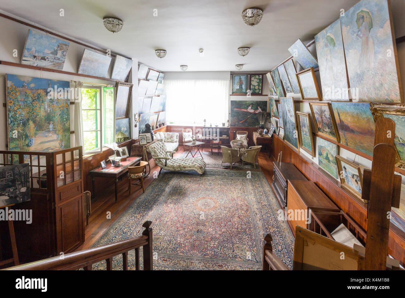 France, Eure (27), Giverny, maison du peintre Claude Monet, l'atelier // France, Eure, Giverny, house of the painter Claude Monet, the painter's studi - Stock Image