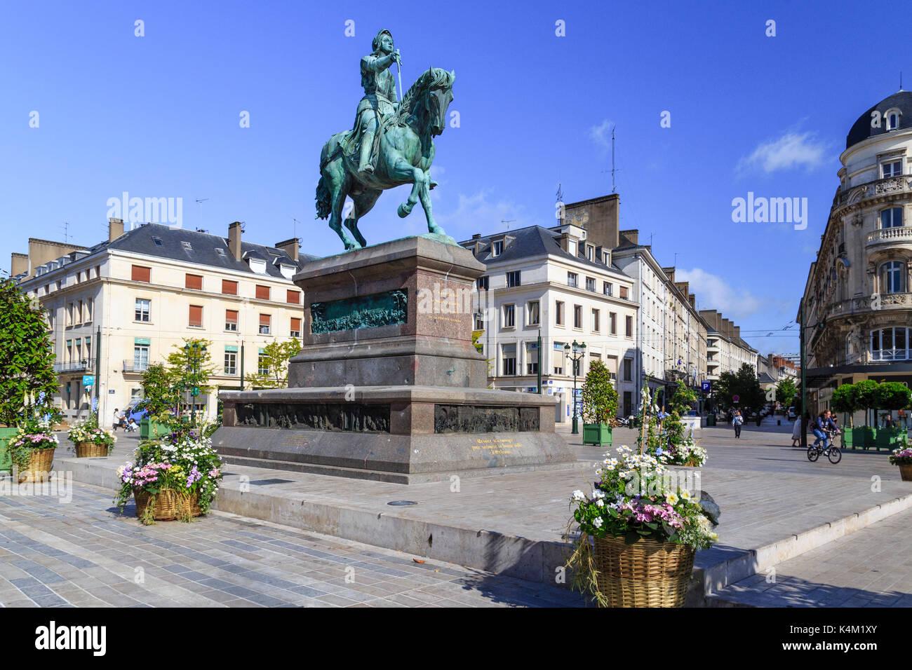 France loiret 45 orl ans place du martroi statue de for Orleans loiret