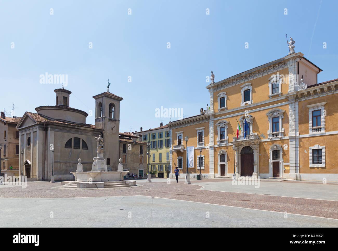 BRESCIA, ITALY - MAY 22, 2016: The Piazza del Mercato square and University of Brescia. - Stock Image