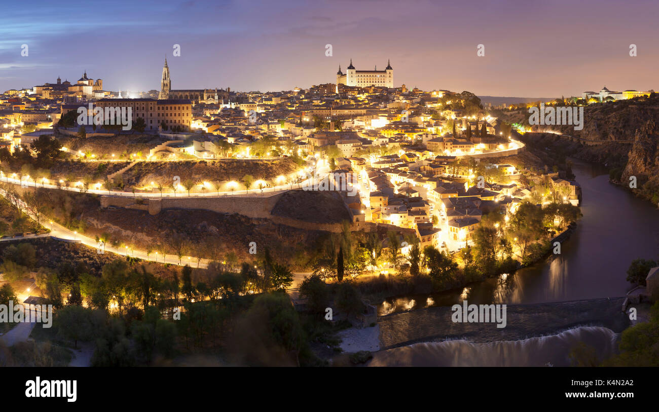 View over Tajo River at Santa Maria Cathedral and Alcazar, UNESCO World Heritage Site, Toledo, Castilla-La Mancha, Spain, Europe - Stock Image