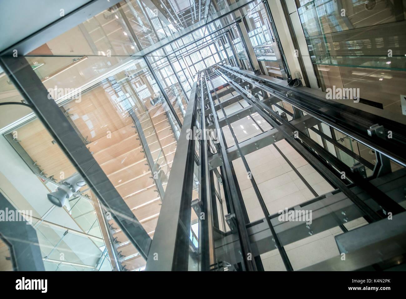 transparent lift modern elevator shaft glass building - Stock Image