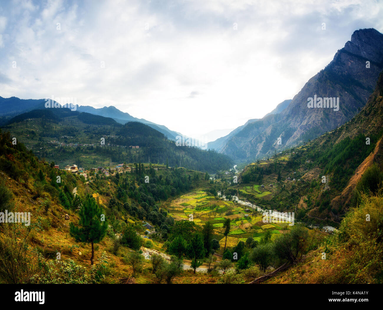 Himalayan village view from road in Parvati Valley, Himachal Pradesh - Stock Image