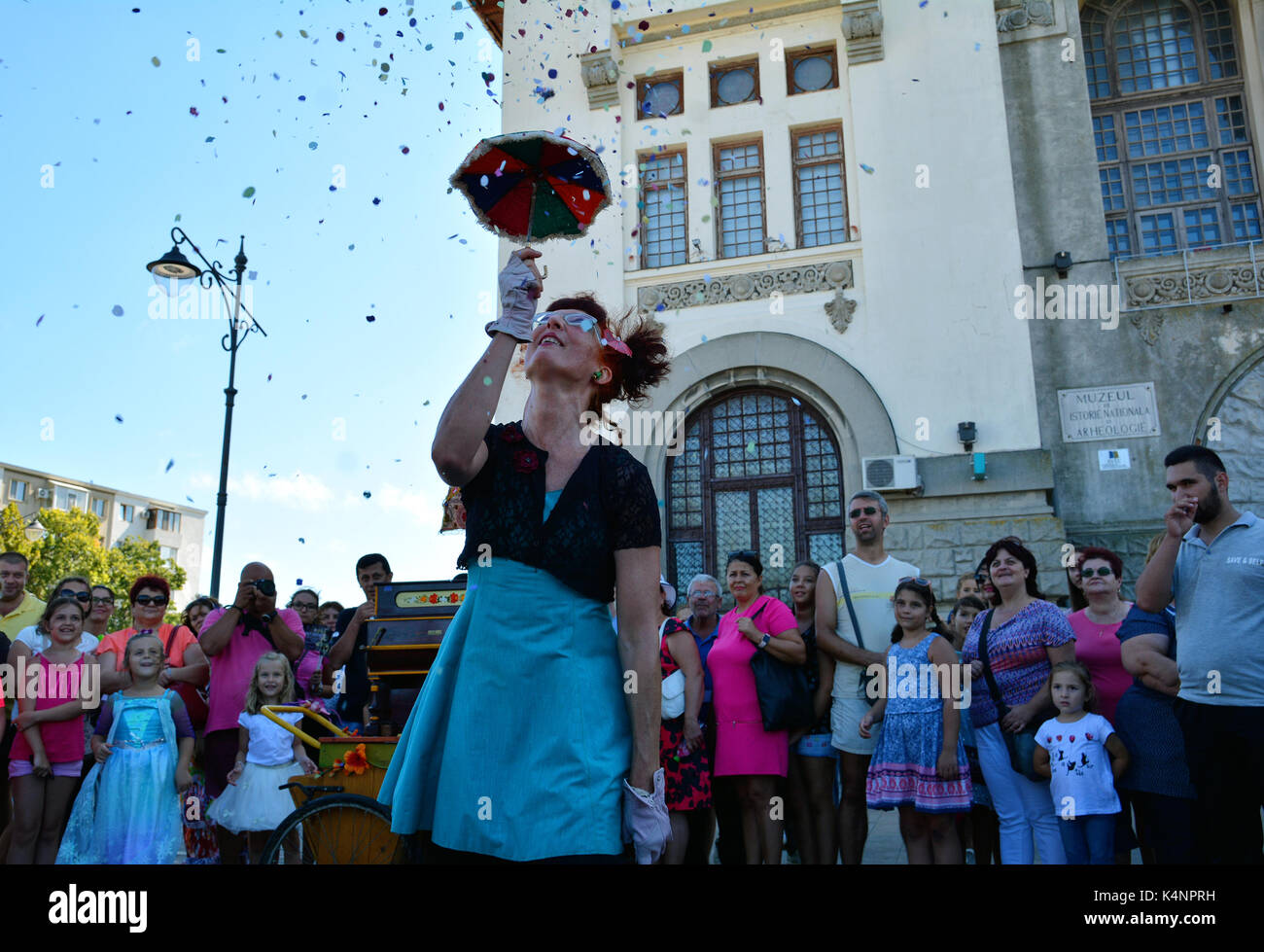 CONSTANTA, ROMANIA - SEPTEMBER3, 2017. Cirquet Confetti from Spain at  International Street Festival 'Art District ' at Ovidius Square of Constanta - Stock Image