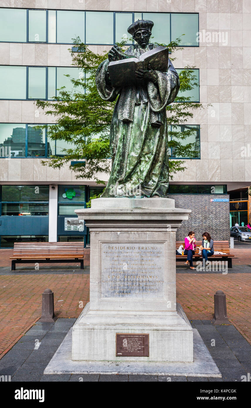 Netherlands, South Holland, Rotterdam, statue of the Dutch Renaissance humanist Erasmus of Rotterdam at Grotekerkplein - Stock Image