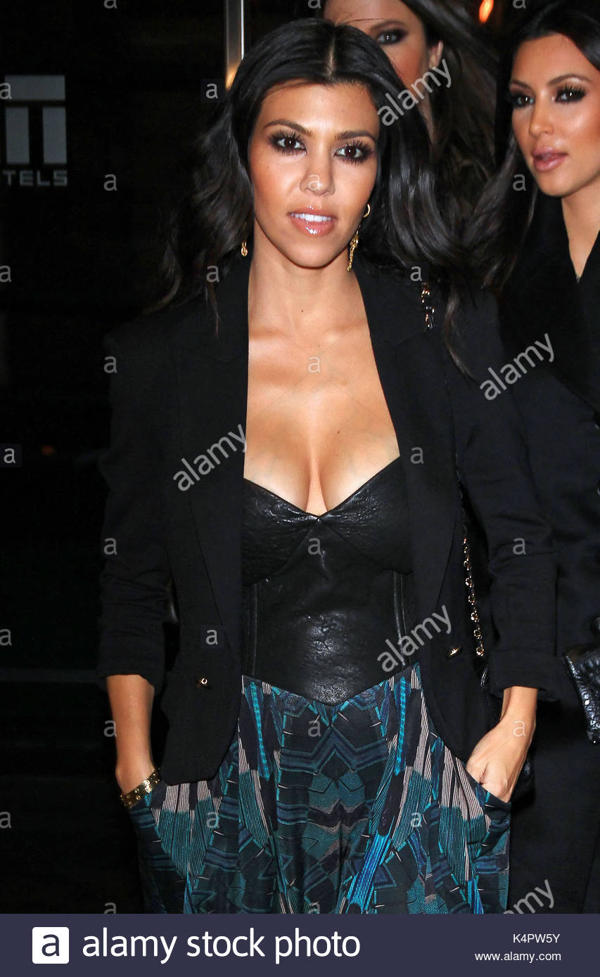 Cleavage Kourtney Kardashian nude (61 photo), Tits, Sideboobs, Selfie, swimsuit 2015