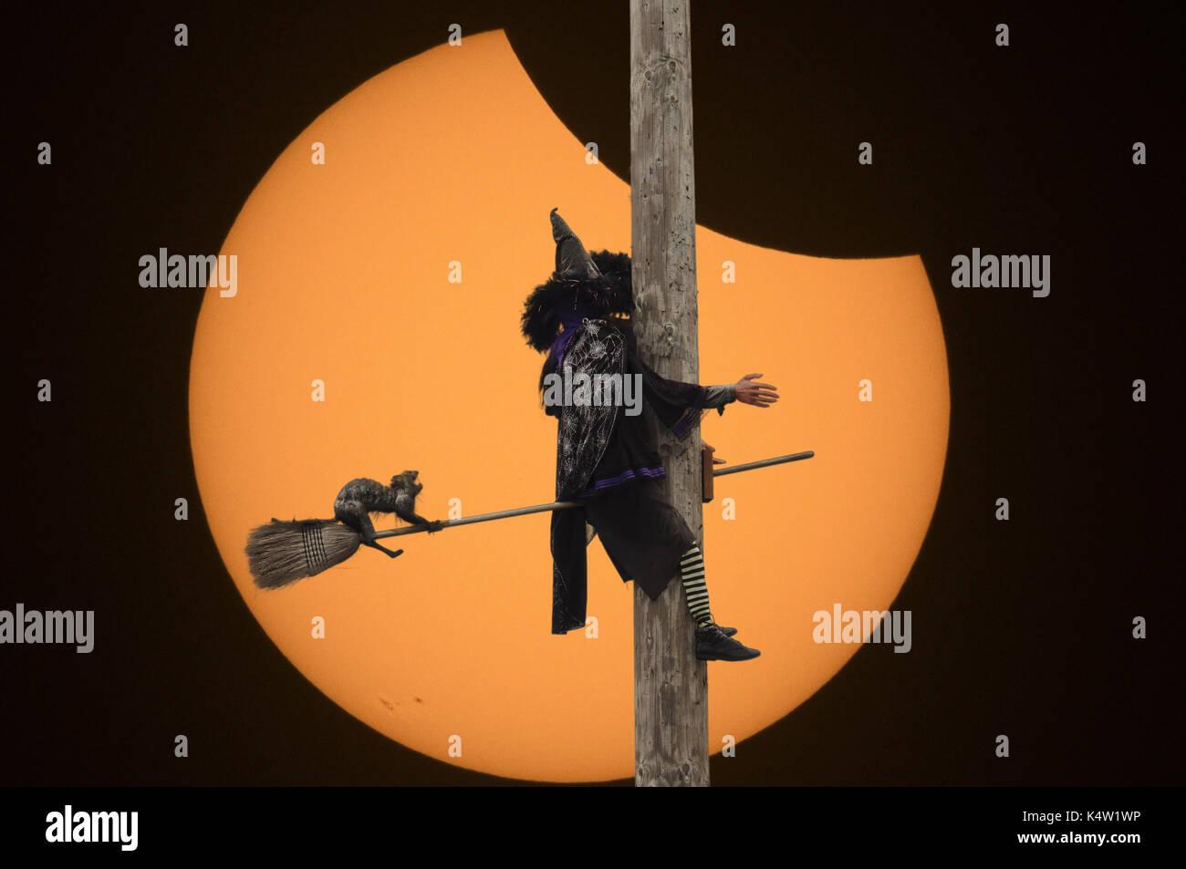 Crashing While Eclipsing - Stock Image