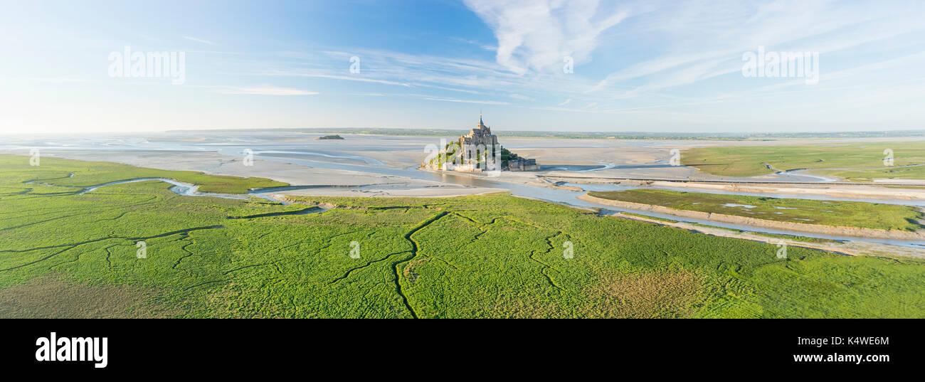 France, Manche (50), Baie du Mont Saint-Michel classée Patrimoine Mondial de l'UNESCO, le Mont Saint-Michel (vue aérienne) // France, Manche, Mont Sai - Stock Image