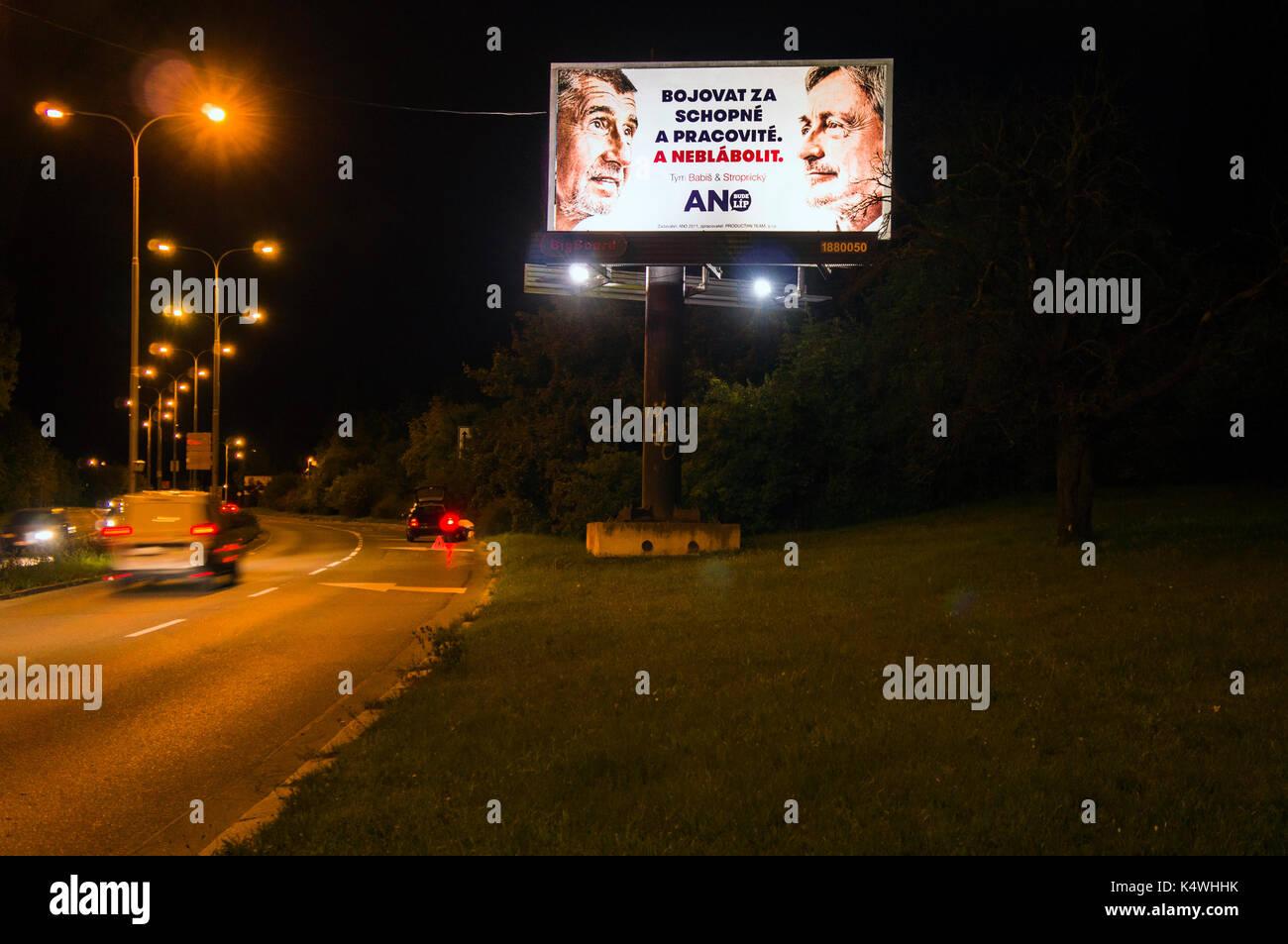 BigBoard, politicke hnuti ANO 2011, Andrej Babis, Martin Stropnicky, slogan BOJOVAT ZA SCHOPNE A PRACOVITE. A NEBLABOLIT, politicka propagace, politicky marketing, parlamentni volby, predvolebni kampan, volebni billboard, reklama politicke - Stock Image