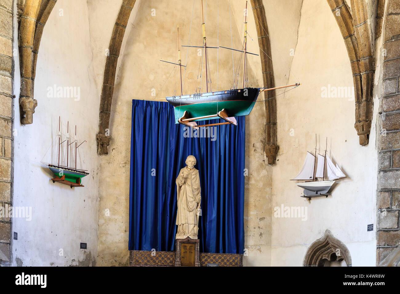 France, Manche (50), Cotentin, Granville, Ville Haute, église Notre-Dame-du-Cap-Lihou, ex-voto dans la chapelle latérale Saint Clément // France, Manc - Stock Image