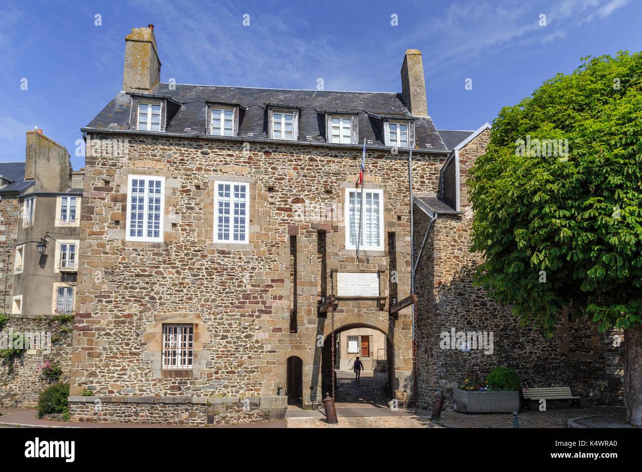 France, Manche (50), Cotentin,  Granville, la Grand Porte vers la Ville Haute // France, Manche, Cotentin Peninsula, Granville, the Grand Porte toward - Stock Image