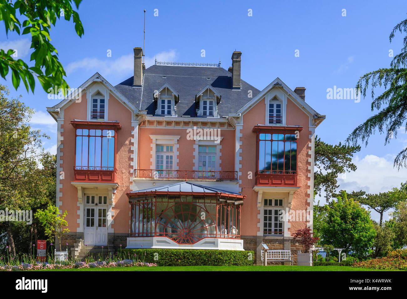 France, Manche (50), Cotentin, Granville, Musée Christian Dior, la villa Les Rhumbs // France, Manche, Cotentin Stock Photo