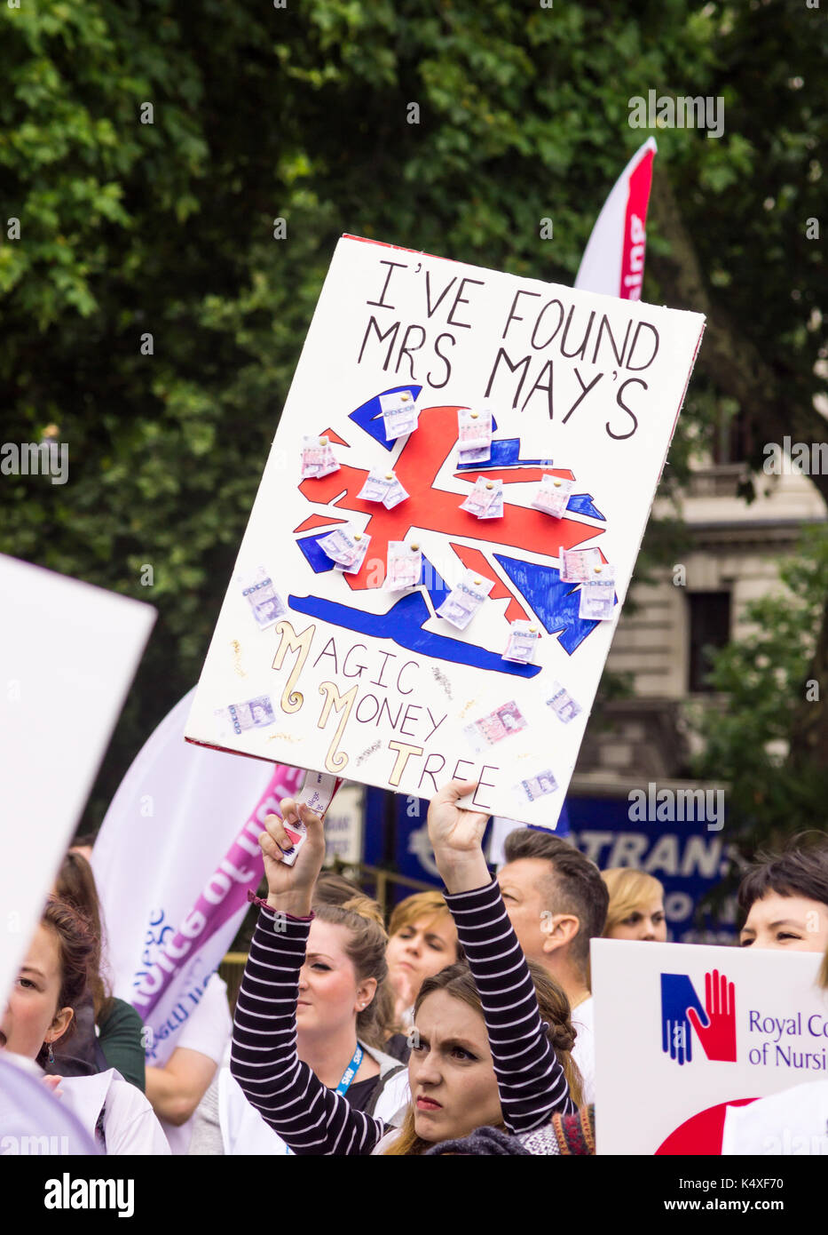 London, UK, 6 September 2017  Thousands of nurses, members of the public and other healthcare workers from all over the U.K. gathered in Parliament Sq - Stock Image