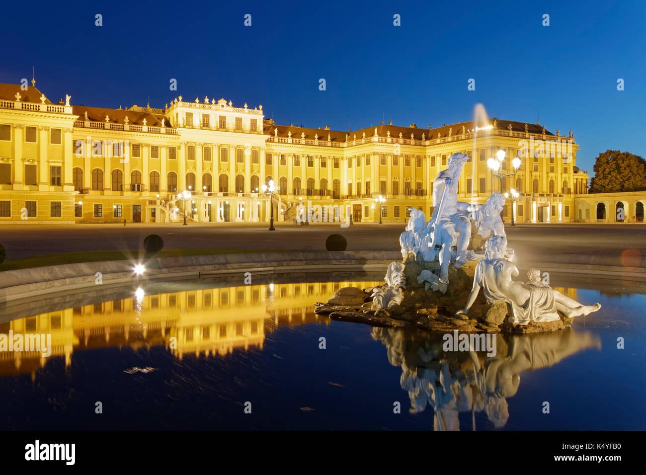 Fountain in front of Schönbrunn Palace, Vienna, Austria - Stock Image