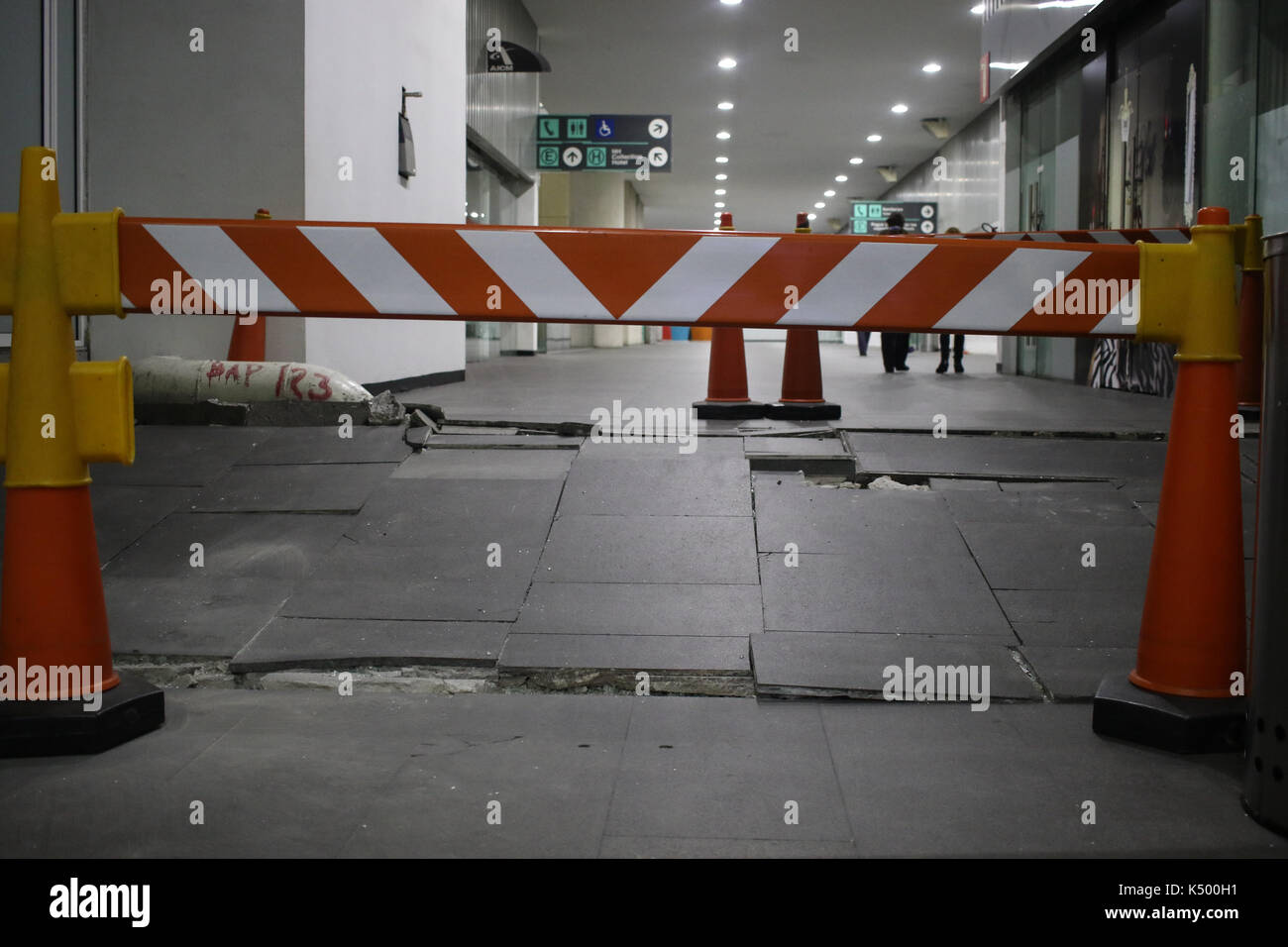 Mexico City. 8th Sep, 2017. Photo taken on Sept. 8, 2017 shows a cracked floor at the Mexico City International Airport after an earthquake jolted Mexico City, capital of Mexico. A powerful earthquake measuring 8.0 on the Richter scale struck off Mexico's southern coast on late Thursday, the United States Geological Survey (USGS) said. Credit: Francisco Canedo/Xinhua/Alamy Live News - Stock Image