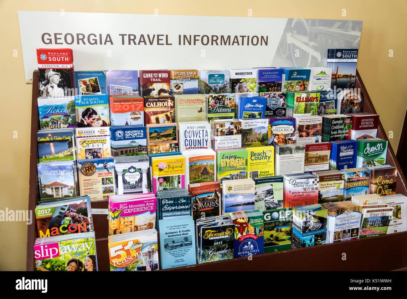 Savannah Georgia Visitors Information Center inside travel brochure gift shop - Stock Image
