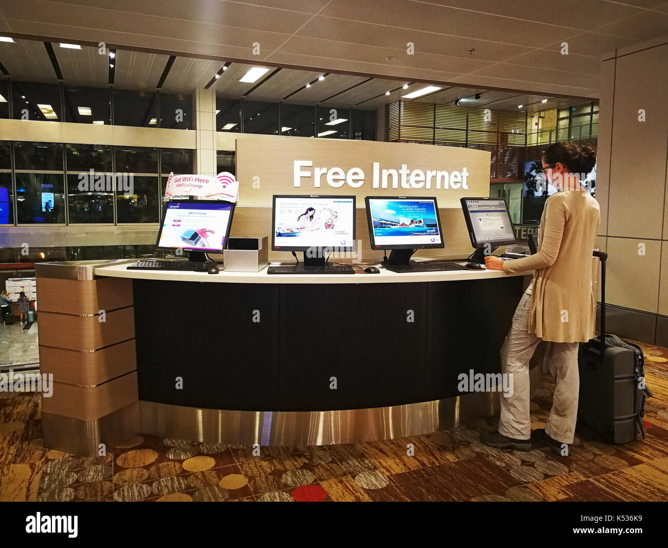 Free internet terminals available for use by waiting or transiting