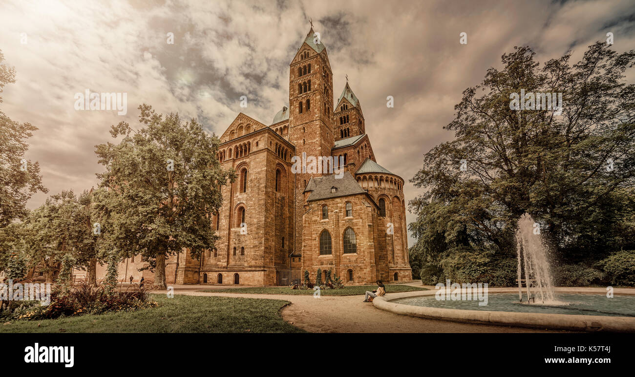 The (Kaiserdom) Dom in Speyer. Birdlevel view from the Altpoertel to the westside of the dome. - Stock Image