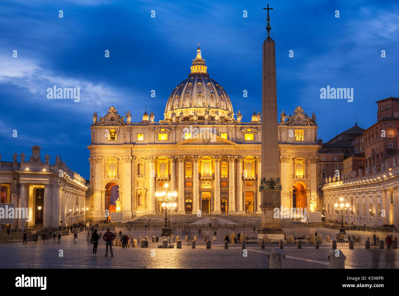 ITALY ROME THE VATICAN CITY St Peters Square and St Peters Basilica Vatican City ay night Roma Rome Lazio Italy EU Europe - Stock Image