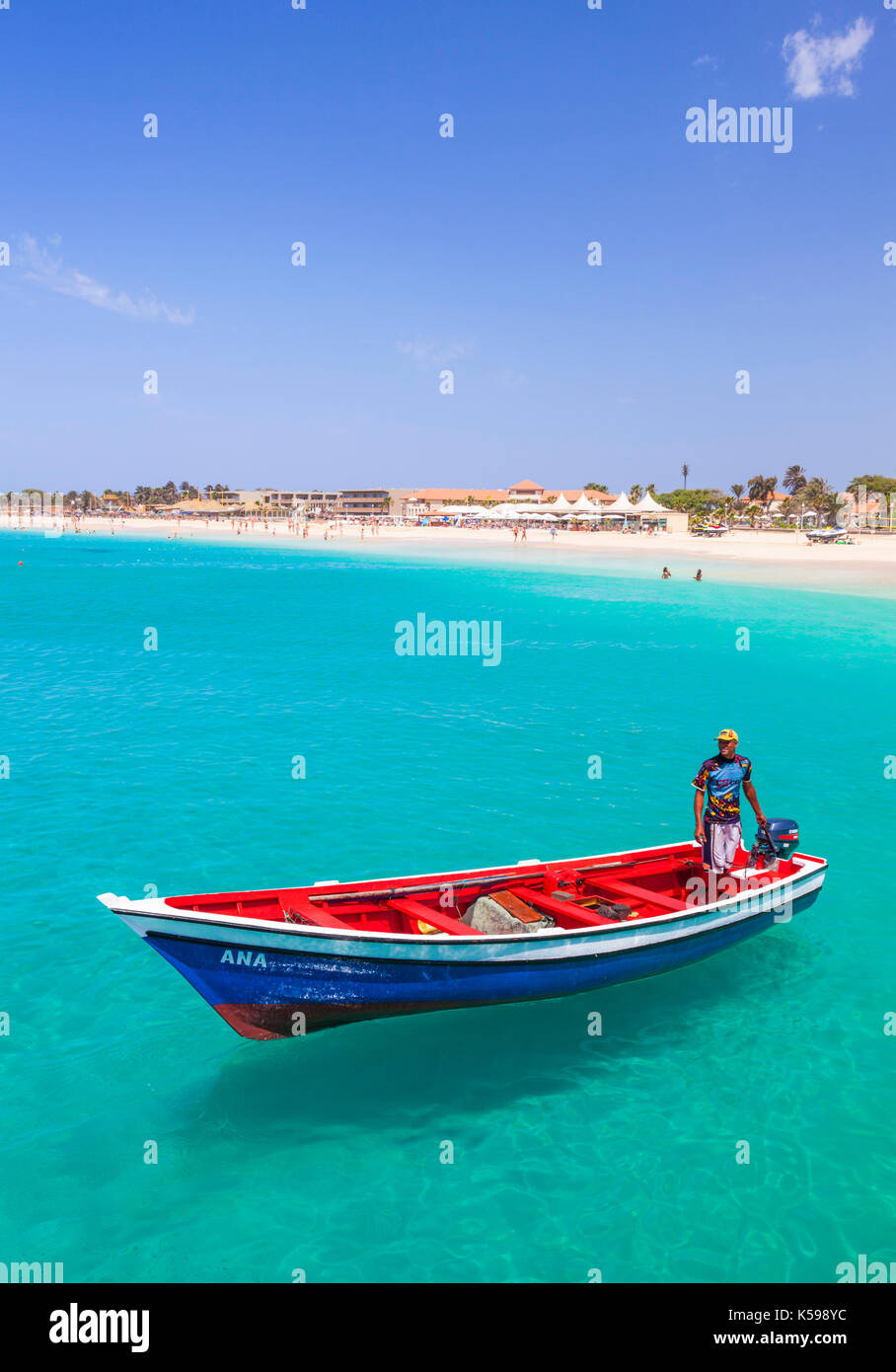 CAPE VERDE SAL Fishermen bringing their catch of fish in fishing boats to the pier at Santa Maria, Sal island , Stock Photo