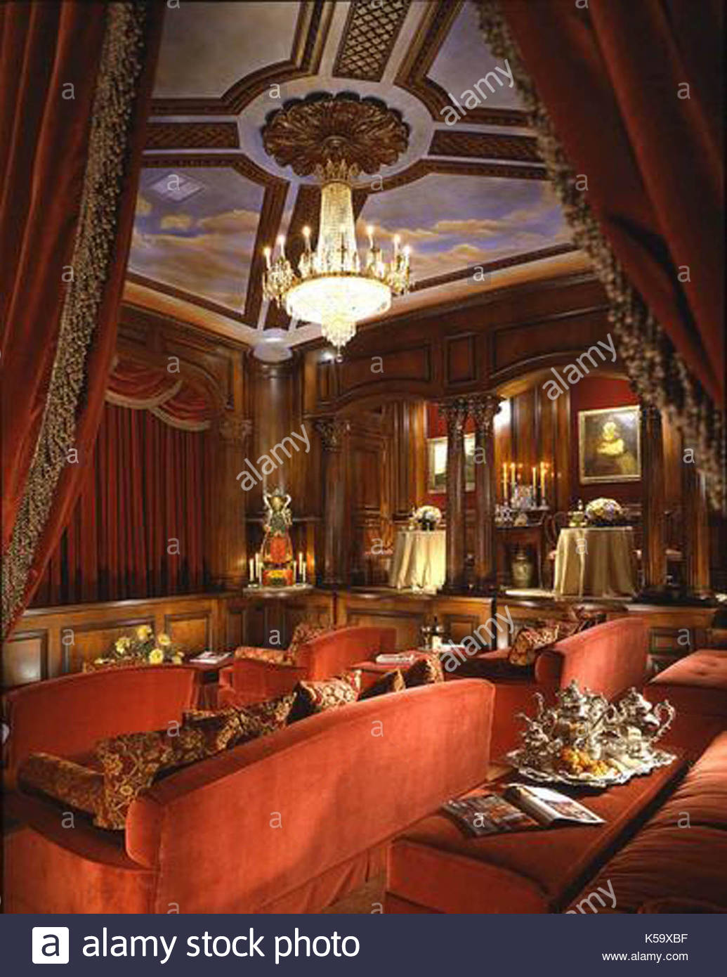 Michael Jackson\'s home interior. These are the interior pictures of ...